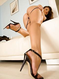 Free High Heels Pics